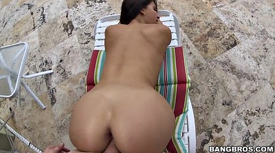 Outdoor, Latina doggystyle