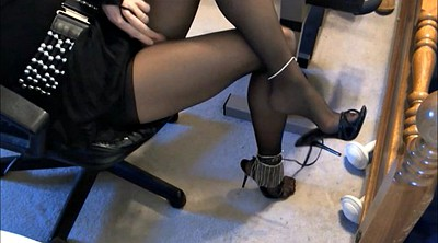 Crossdresser, Nylon feet