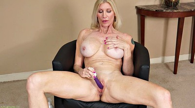 Mature casting, Open pussy, Pussy open