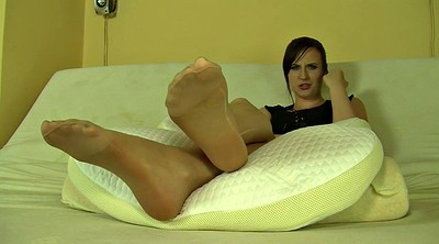 Nylon, Sole, Screaming