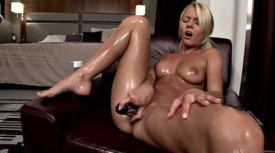Doll, Dildo hd