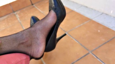 Nylon foot, Nylon feet, Dangling