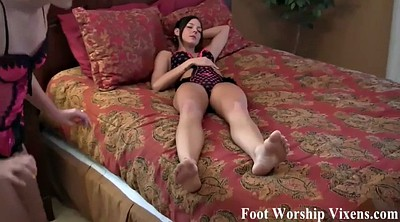 Perfect, Foot worship