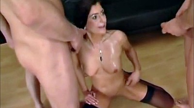 Pissing, Milf party