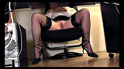 Kinky, Secretary office
