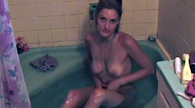 Shower solo, Showering