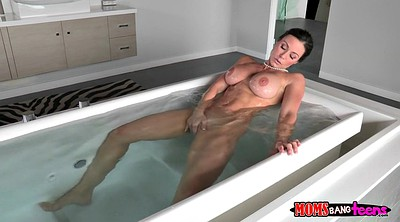 Kendra lust, Take a shower