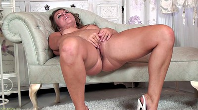 Mature woman, Solo shaved fingering, Chubby mature