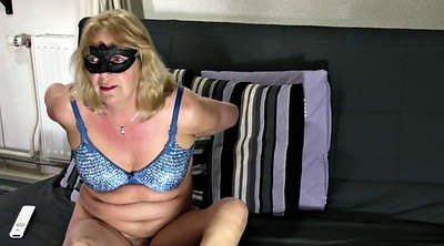 Pussy show, Mature pussy