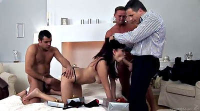Spread, Asian gangbang, Spreads