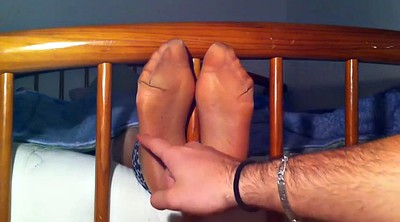 Tickle, Nylon feet, Nylon foot