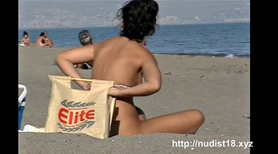 Public flashing, Nudes, Nude beach