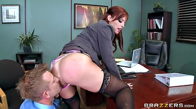 Pulling, Licking face, Britney amber