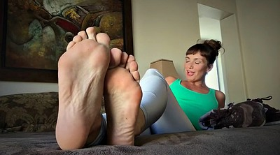 Mature solo, Mature feet, Smell