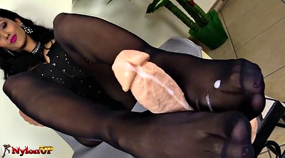 Pantyhose footjob, Black pantyhose