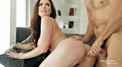 Kendra lust, Caught