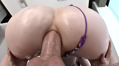 Big ass oiled anal